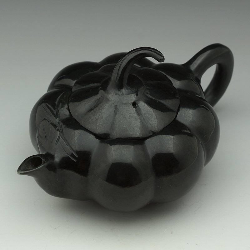 CHINESE CARVED BLACK NEPHRITE JADE TEAPOT
