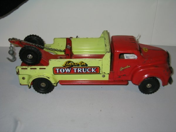 146: LINCOLN TOY TOW TRUCK. PRESSED STEEL - 3