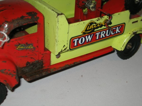 146: LINCOLN TOY TOW TRUCK. PRESSED STEEL - 5