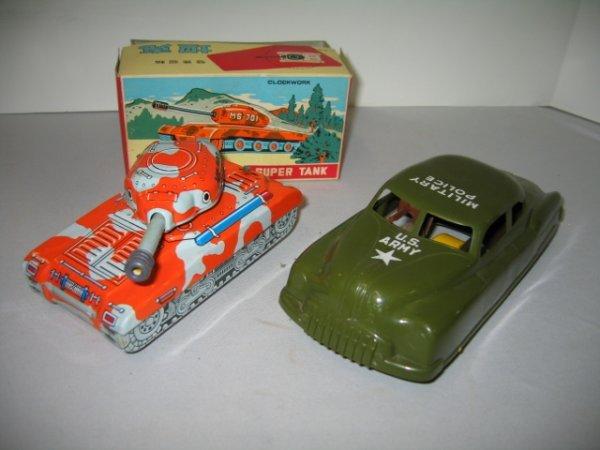 516: CLOCKWORK SUPER TANK AND MILITARY POLICE CAR