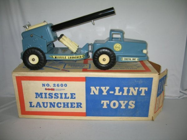 689: NY-LINT NO. 2600 MISSILE LAUNCHER IN BOX