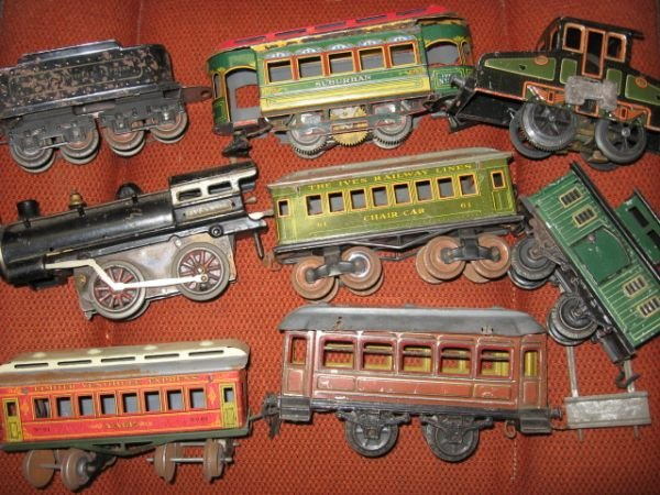 701: IVES TIN LITHO TRAINS. 8 PCS.
