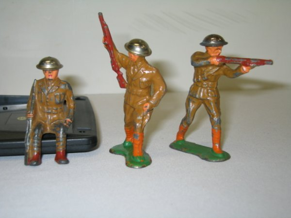 9: BARCLAY LEAD TOY SOLDIERS, 3 TOTAL