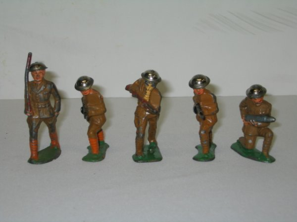15: BARCLAY LEAD TOY SOLDIERS, 5 TOTAL