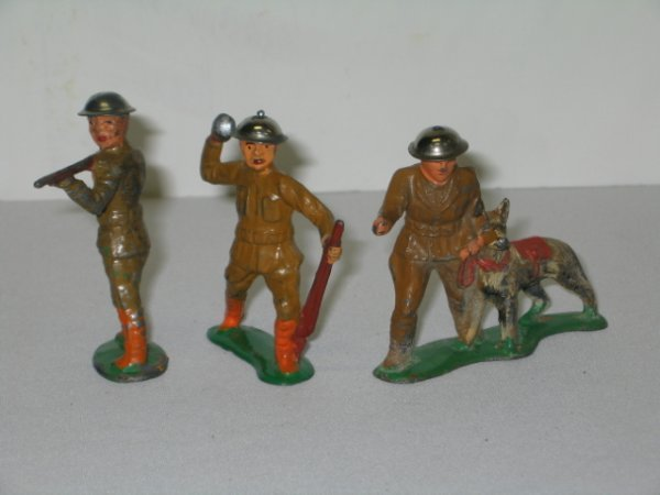 19: BARCLAY LEAD TOY SOLDIERS, 3 TOTAL