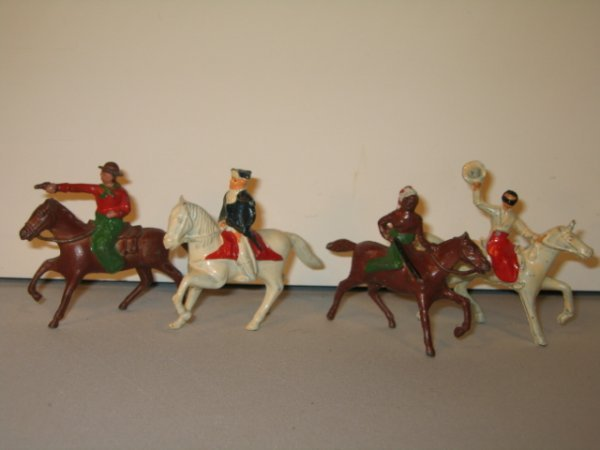 215: LINCOLN LOGS COWBOYS AND INDIANS, 4 TOTAL
