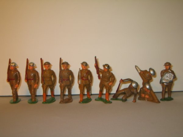 11: BARCLAY LEAD TOY SOLDIERS, 9 TOTAL