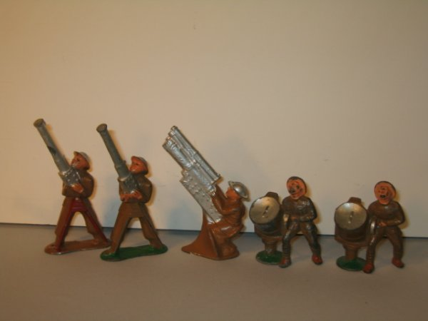 15: BARCLAY & MANOIL LEAD TOY SOLDIERS, 5 TOTAL