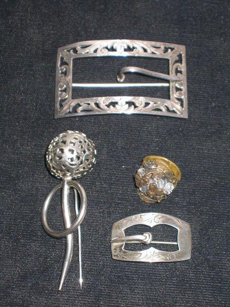 365: 4 PCS. SILVER PINS, RING