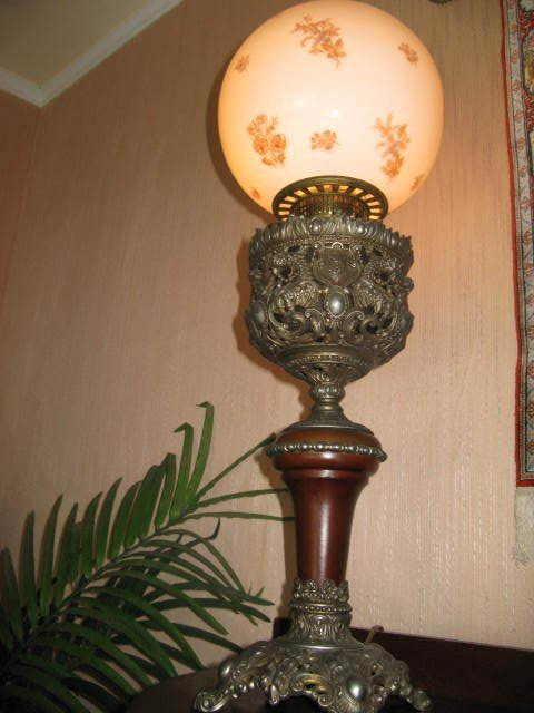 23: BANQUET LAMP, TALL EMBOSSED BRASS BASE
