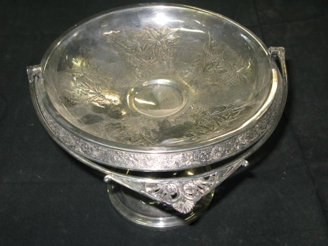 18: VICTORIAN SILVERPLATED FOOTED BASKET W/HANDLE