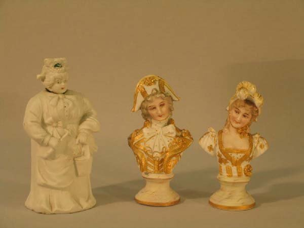 8: 3  BISQUE FIGURINES (1 NODDER)