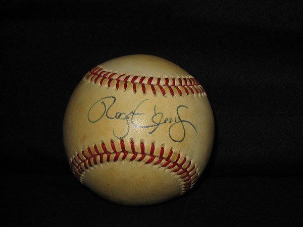 25: ROGER CLEMENS SIGNED BASEBALL W/STAND.   AUTOGRAPH