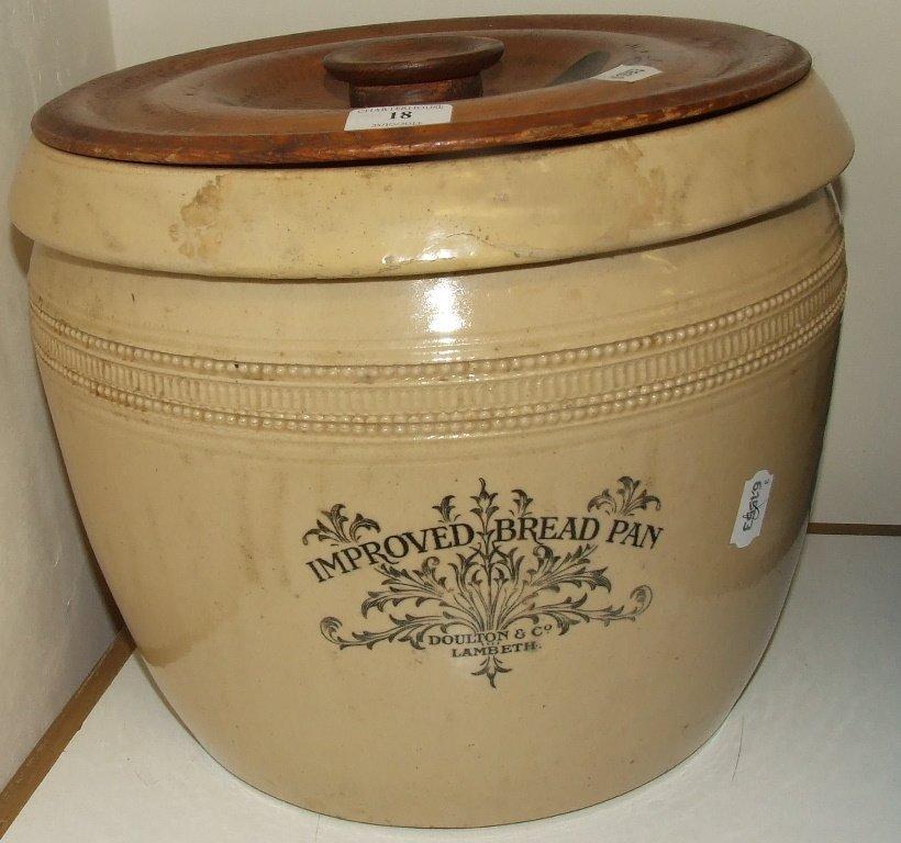 A Doulton Lambeth Improved Bread Pan (restored), 19 cm