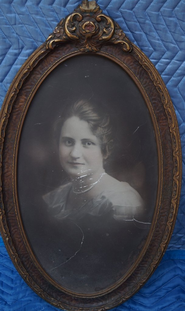 Antique Oval Bubble Frame w/ Photo Of A Woman