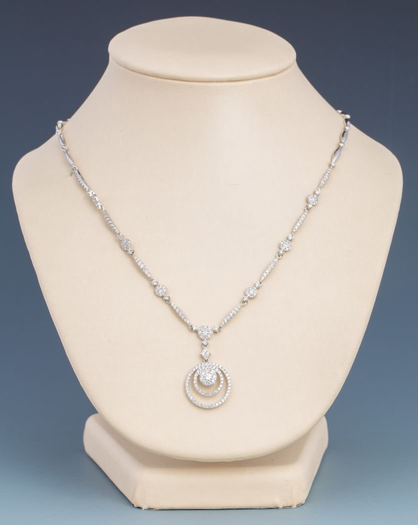 14K WHITE GOLD 3 CIRCLE DIAMOND NECKLACE