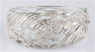 LADIES 18K WHITE GOLD DIAMOND BANGLE CUFF