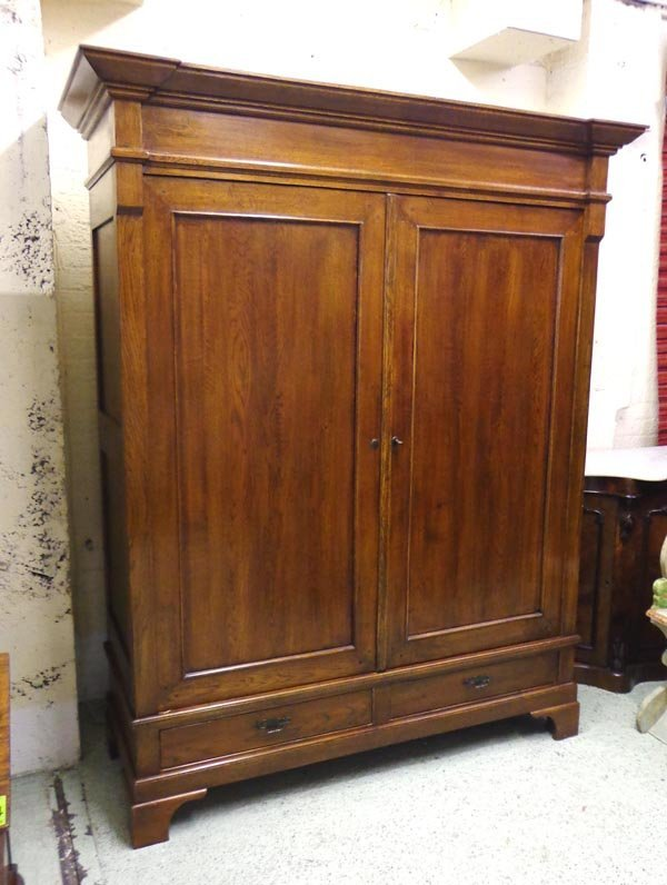 ARMOIRE, Continental oak of recent manufacture with a