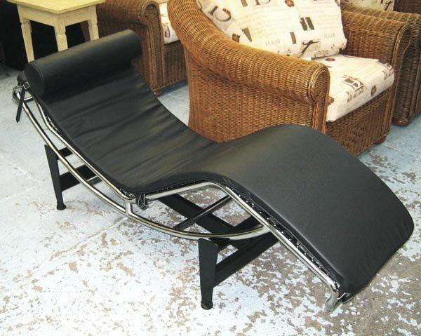 CHAISE LONGUE, Le Corbusier style, black leather on