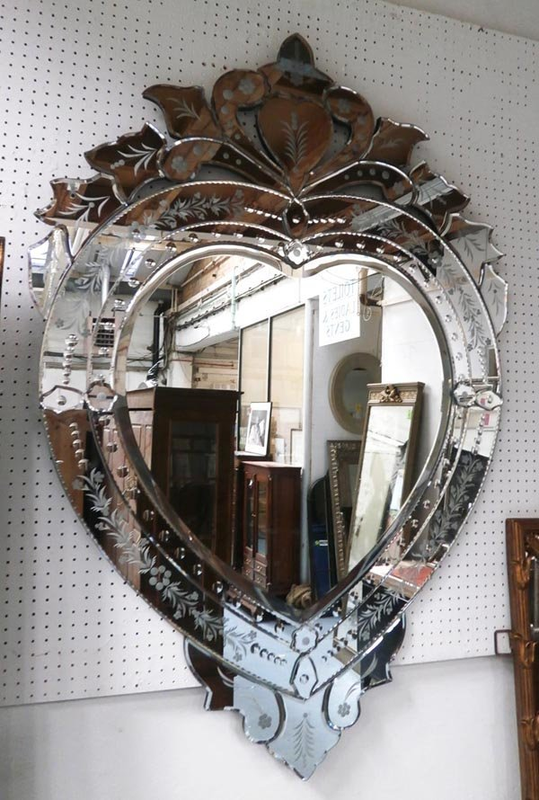 MIRROR, contemporary Venetian style, heart shaped,