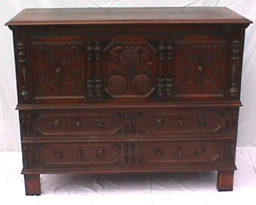 650: Kittinger Furniture Company - Sunflower Chest