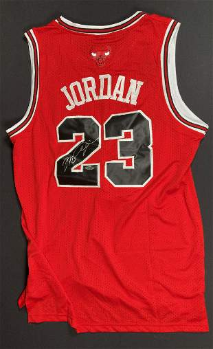 Michael Jordan BULLS jersey signed Steiner