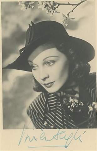 Vivien Leigh signed photograph