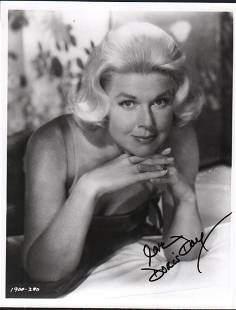 Doris Day signed photograph