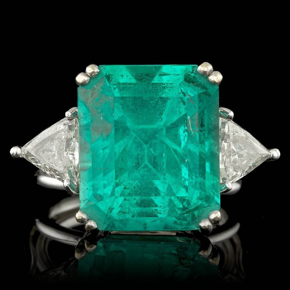 18k Gold 15.50ct Emerald 1.00ct Diamond Ring
