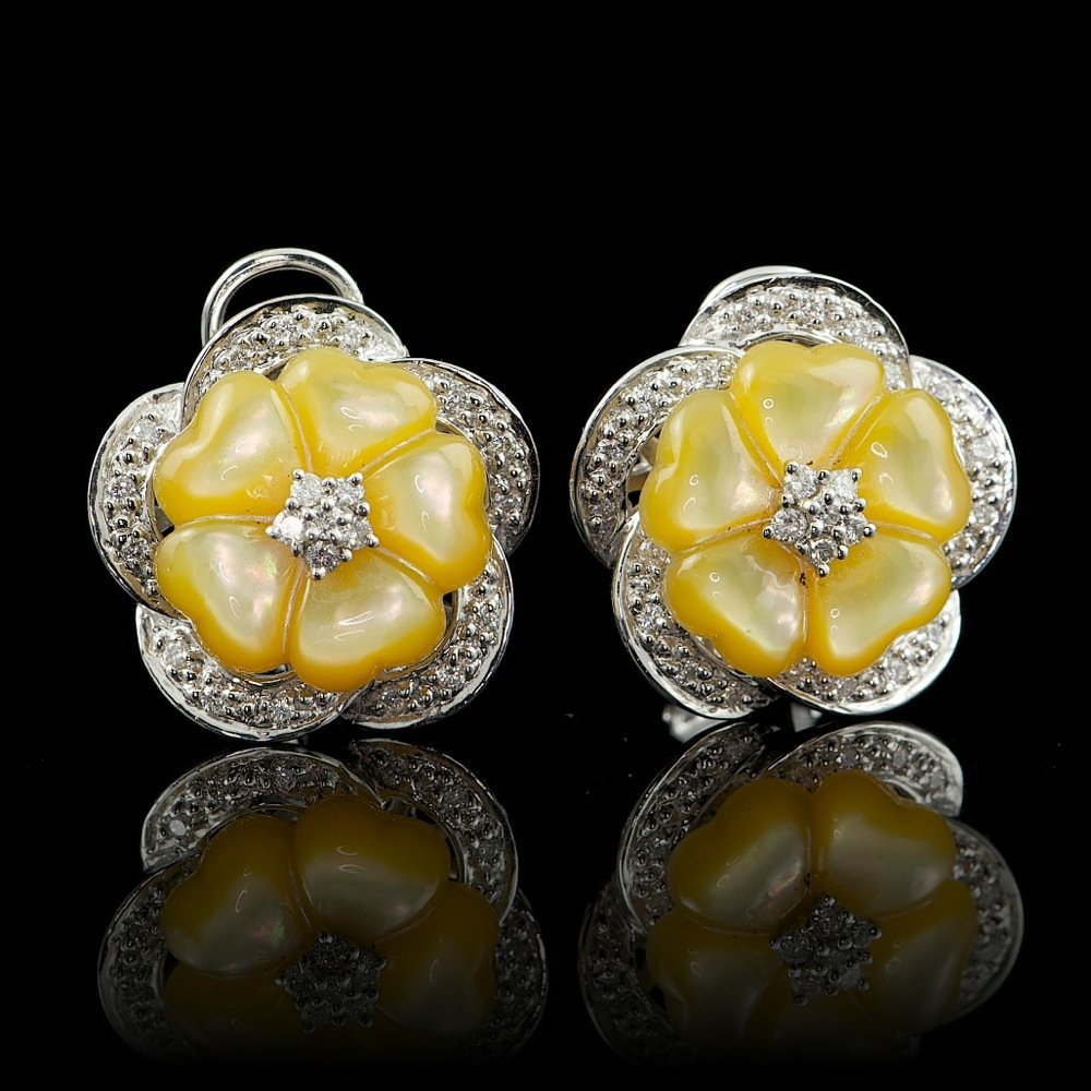 14k Gold Mother Of Pearl 0.38ct Diamond Earrings