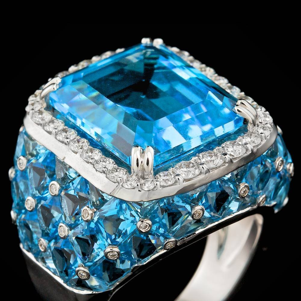 18k White Gold 27ct Topaz 1.00ct Diamond Ring