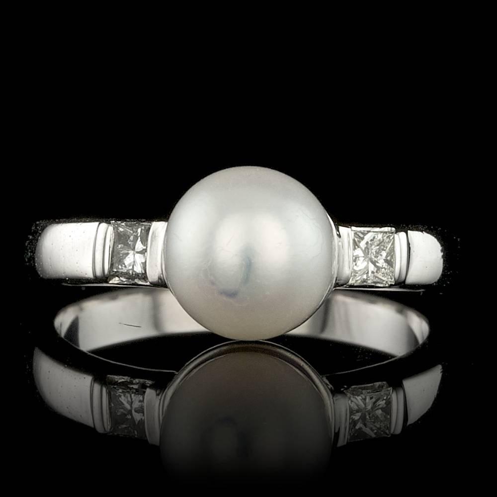 14k White Gold 7mm Pearl 0.20ct Diamond Ring