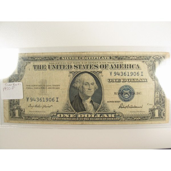 1021: 1935 F $1 Silver Certificate Small Size Note