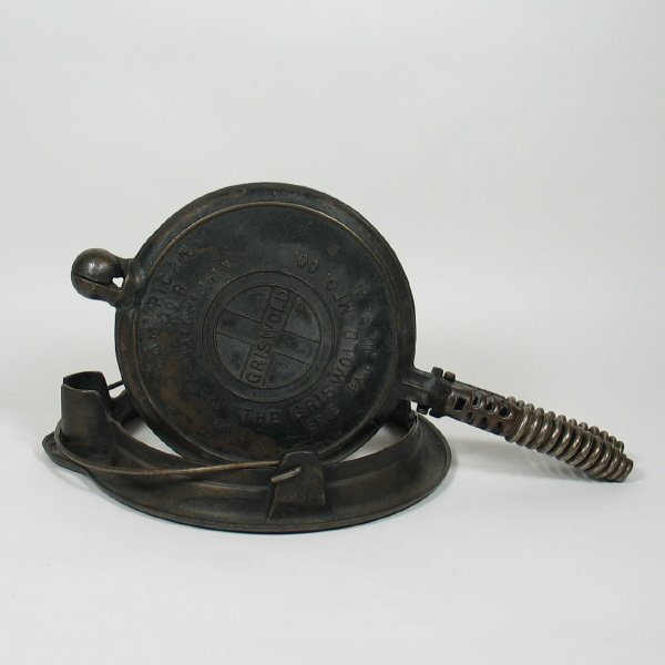 4004: Griswold No. 8 Waffle Iron
