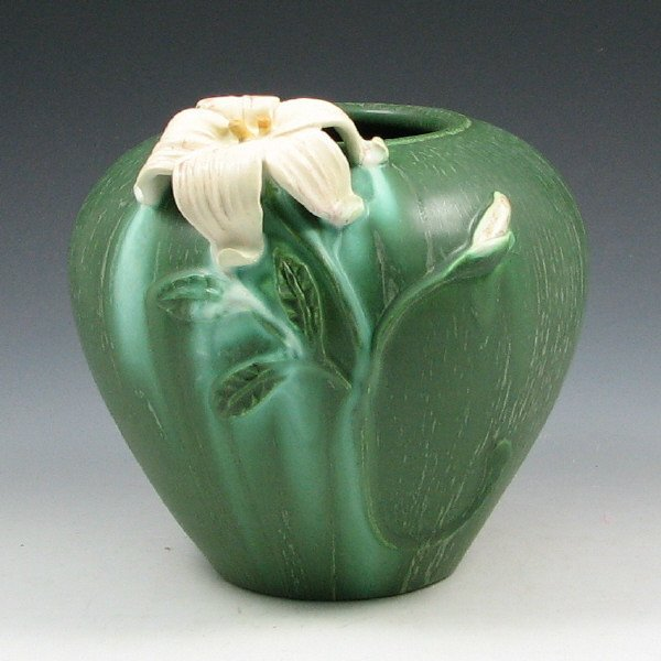 7: Ephraim #232 Garden Lily Retired Vase - Mint