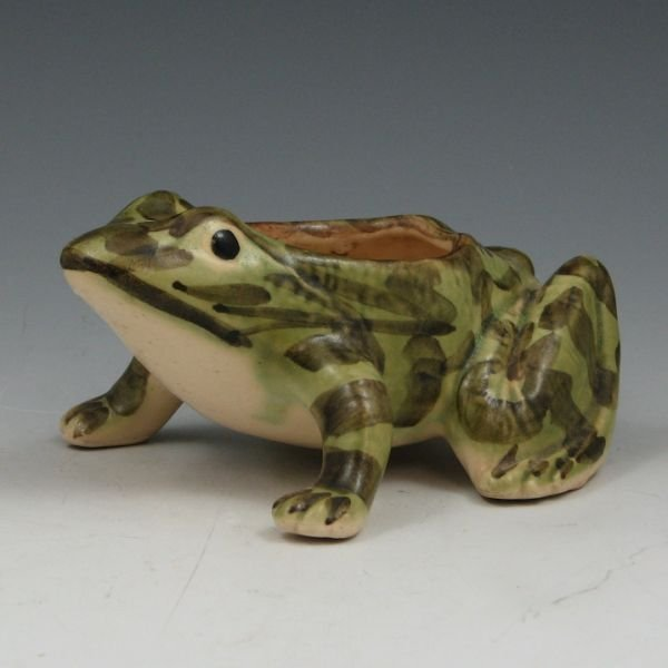 1018: Brush McCoy Frog Planter - Mint