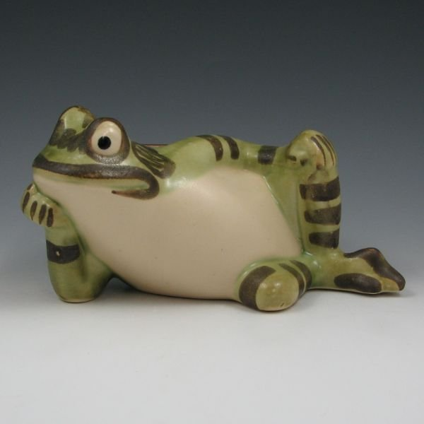 1023: Brush McCoy Reclining Frog Planter - Mint