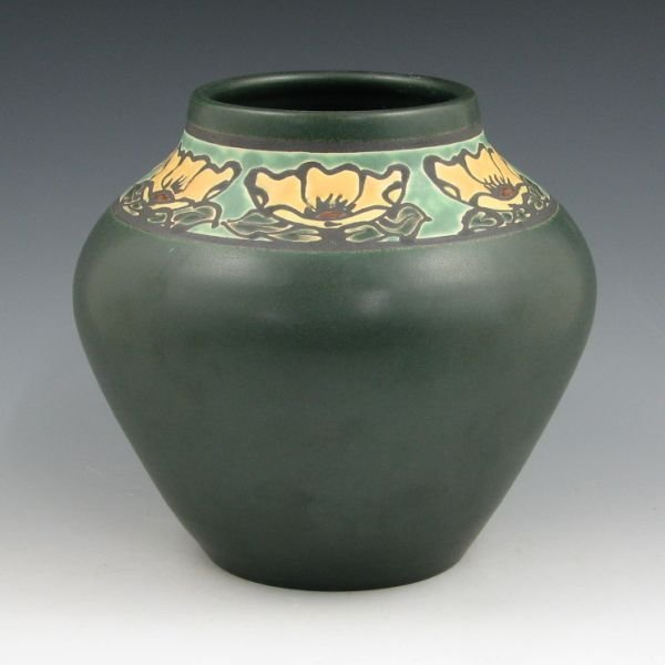 1104: Door Pottery Paul Revere Retired Lotus Vase - Min