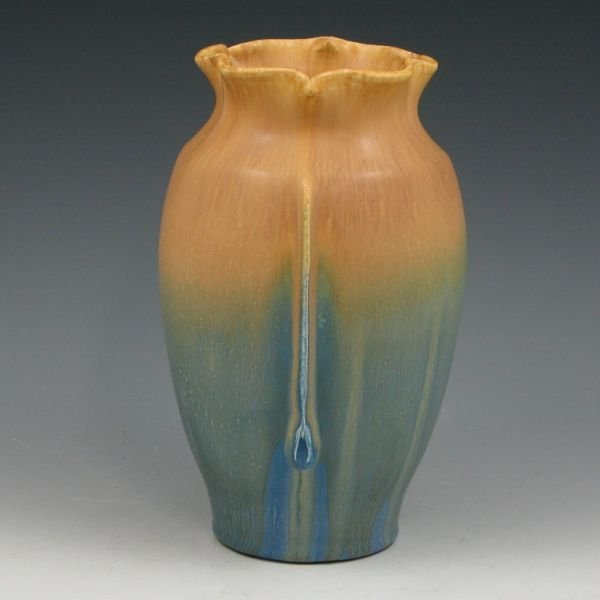 1108: Door Pottery Serenity Product Develop. Vase - Min