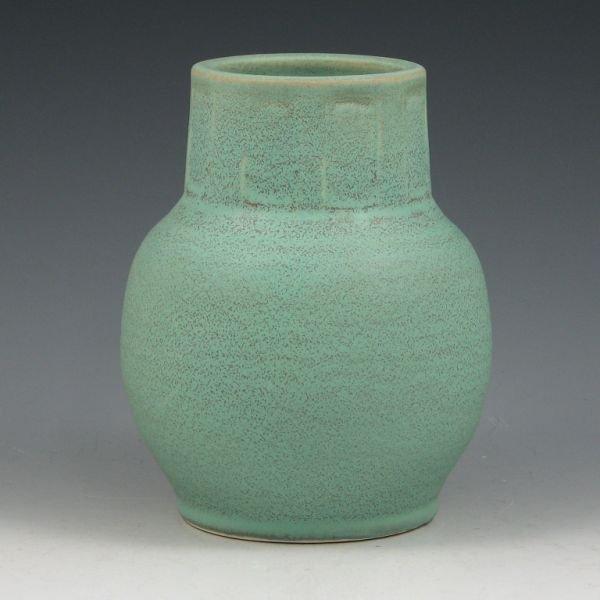 20: Seiz Pottery Arts & Crafts Matte Green Vase - Mint