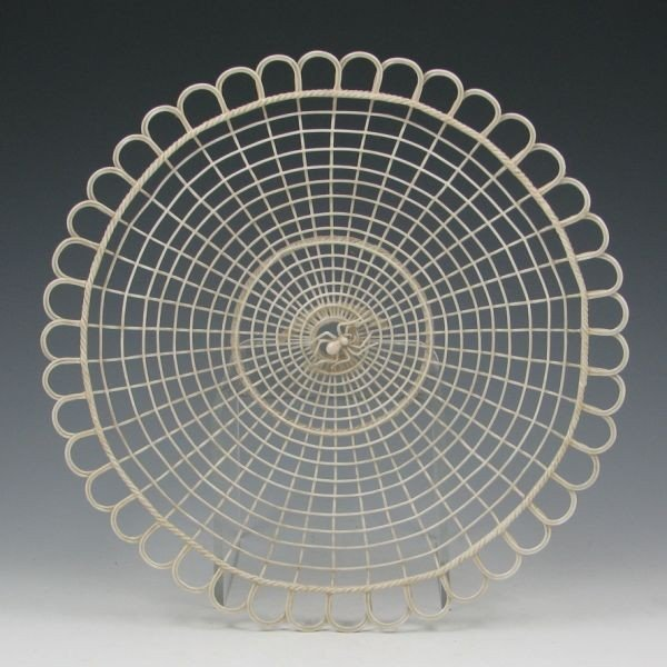 138: Belleek Spider Web Tray - Double Pads