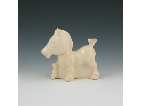 8: Hull Early Novelty Crazy Horse Planter - Mint