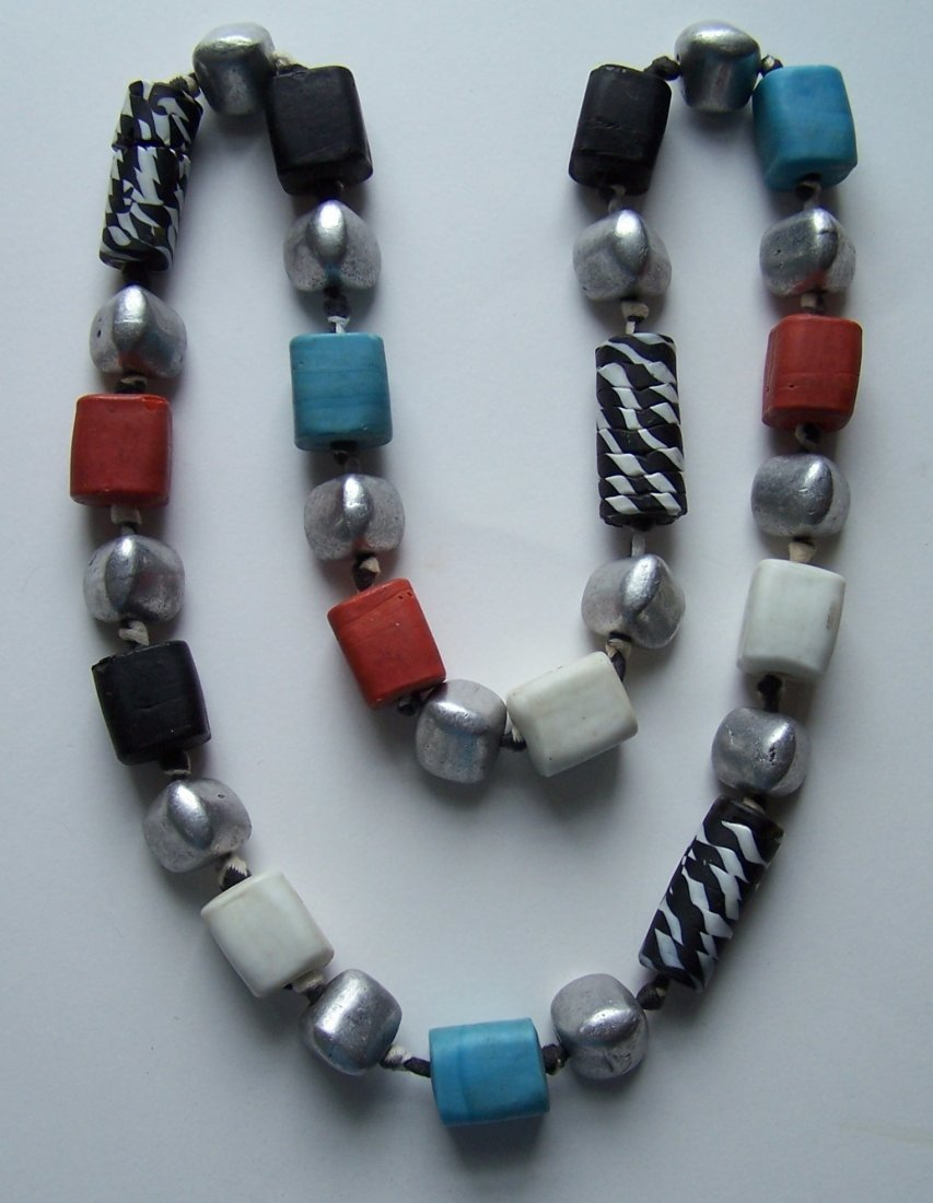 haute couture trade glass beads silver tone necklace