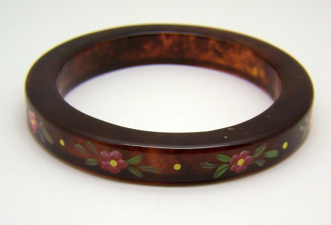 Vintage root beer lucite bangle bracelet
