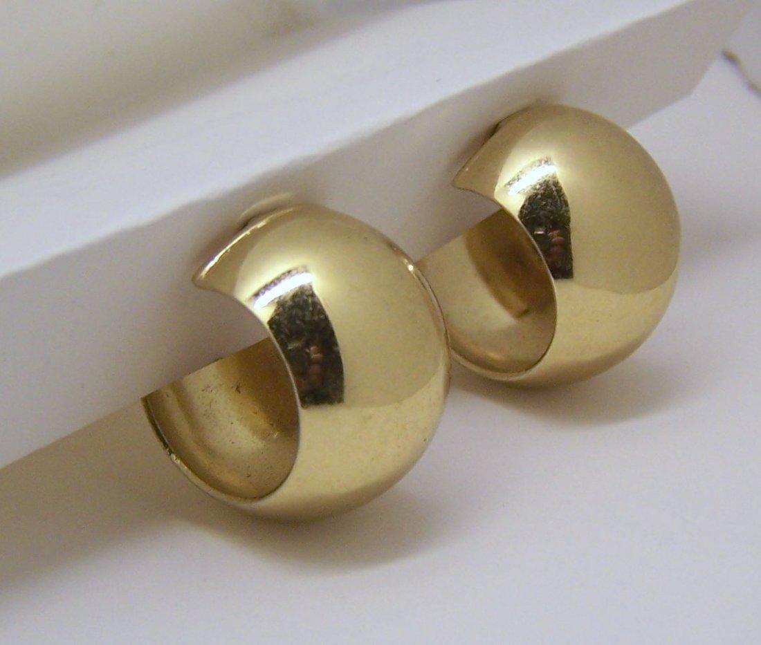 vintage MONET gold tone clip on earrings