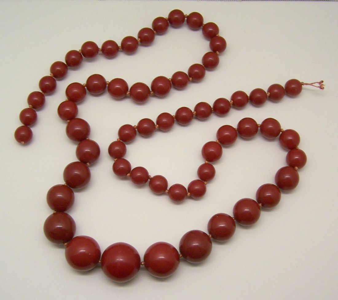 rare vintage graguated lucite red beads necklace