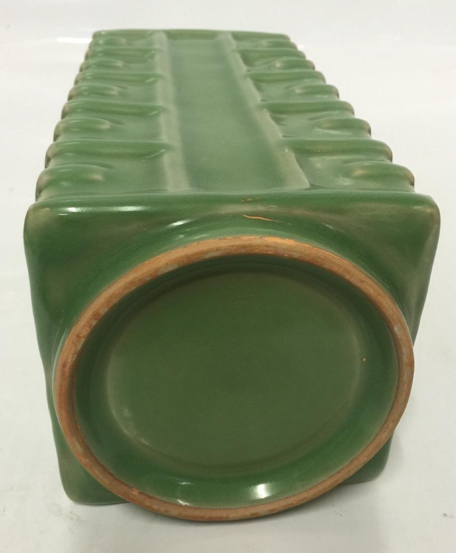 Green glaze gong shaped vase. Song thru Ming. - 5