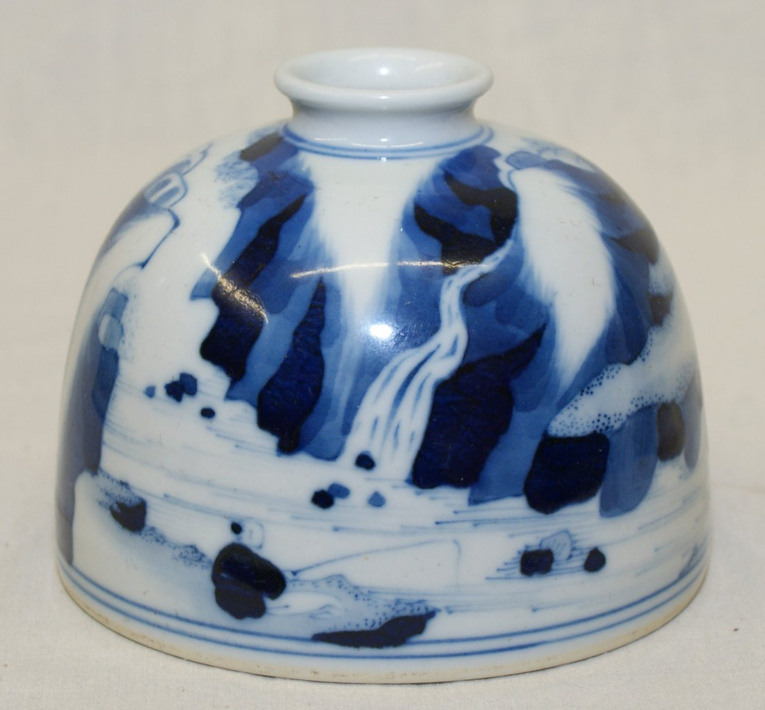 Blue and white water holder. Qing Kangxi Mark. - 3