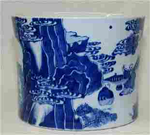 Blue and white brush pot. Qing Period.