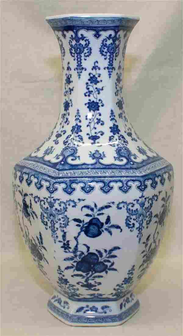 Blue and white 6-sided vase. Qing Qianlong Mark.